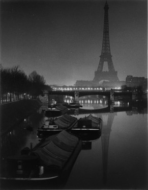 source http://www.americansuburbx.com/wp-content/uploads/2011/08/The-Eiffel-Tower-at-Twilight-1932-Custom.jpg